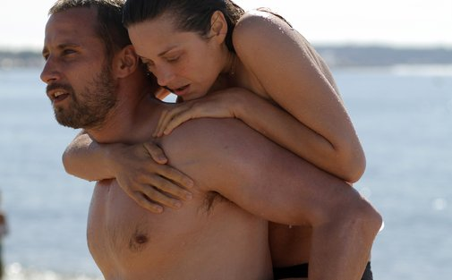 Ali (Schoenaerts) and Stephanie (Cotillard) are two broken people making each other whole again